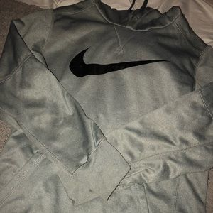 Men's Small Therma Fit Hoodie